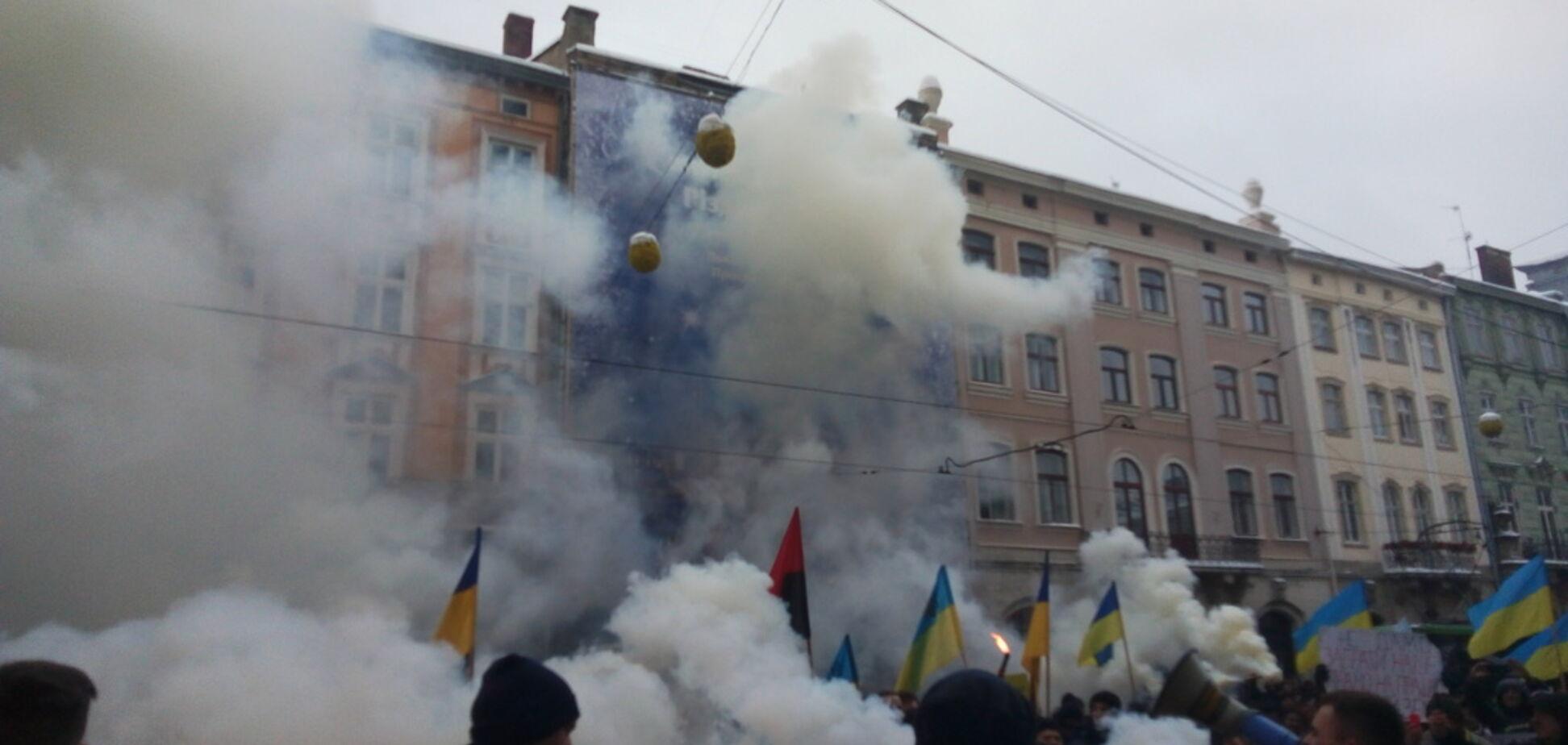 У Львові влаштували масовий протест під прокуратурою і поліцією: з'явилося відео