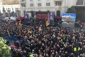 ''Каталонія — не Іспанія!'' У Барселоні тисячі сепаратистів влаштували заворушення