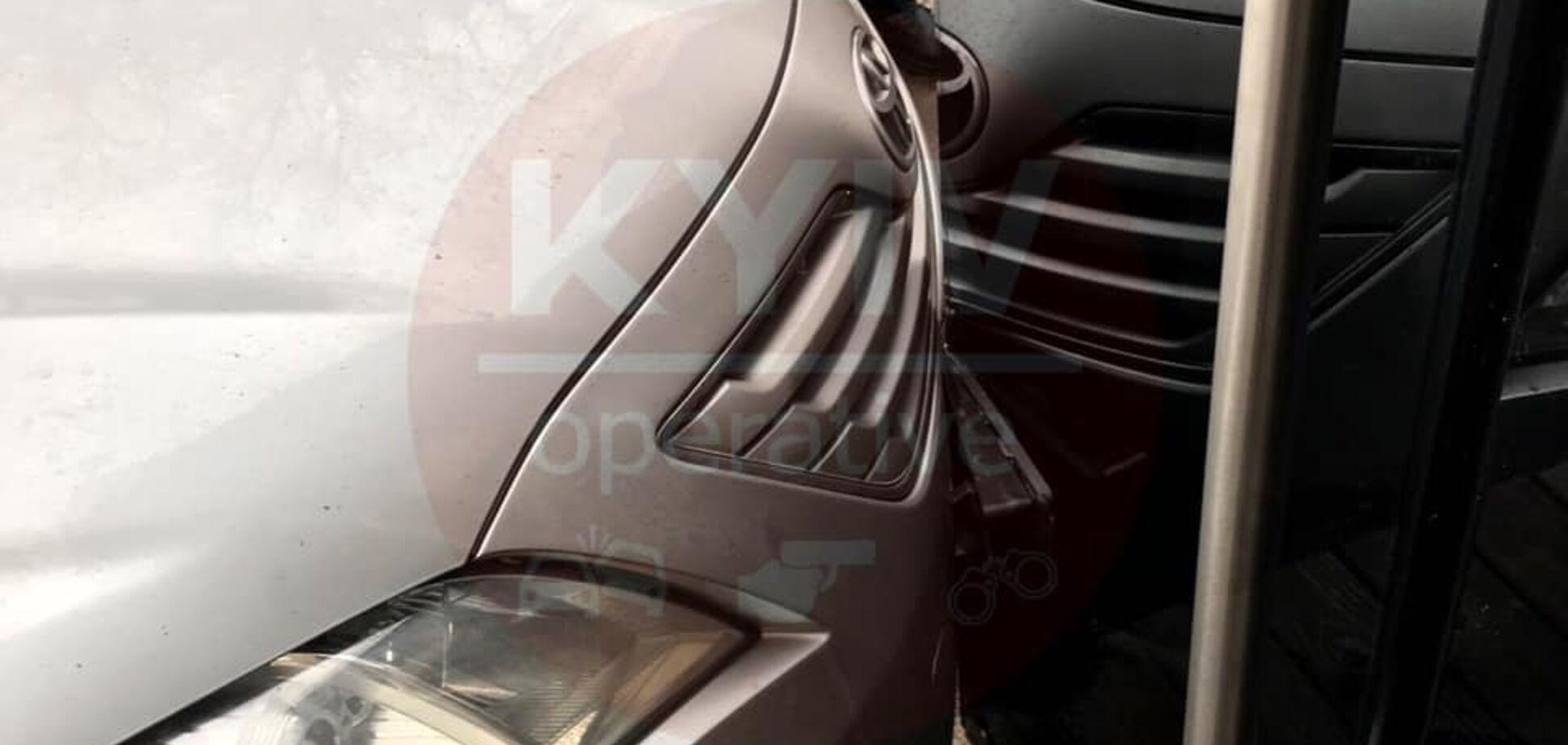 ''Хотів тусити!'' У Києві водій на авто влетів у нічний клуб