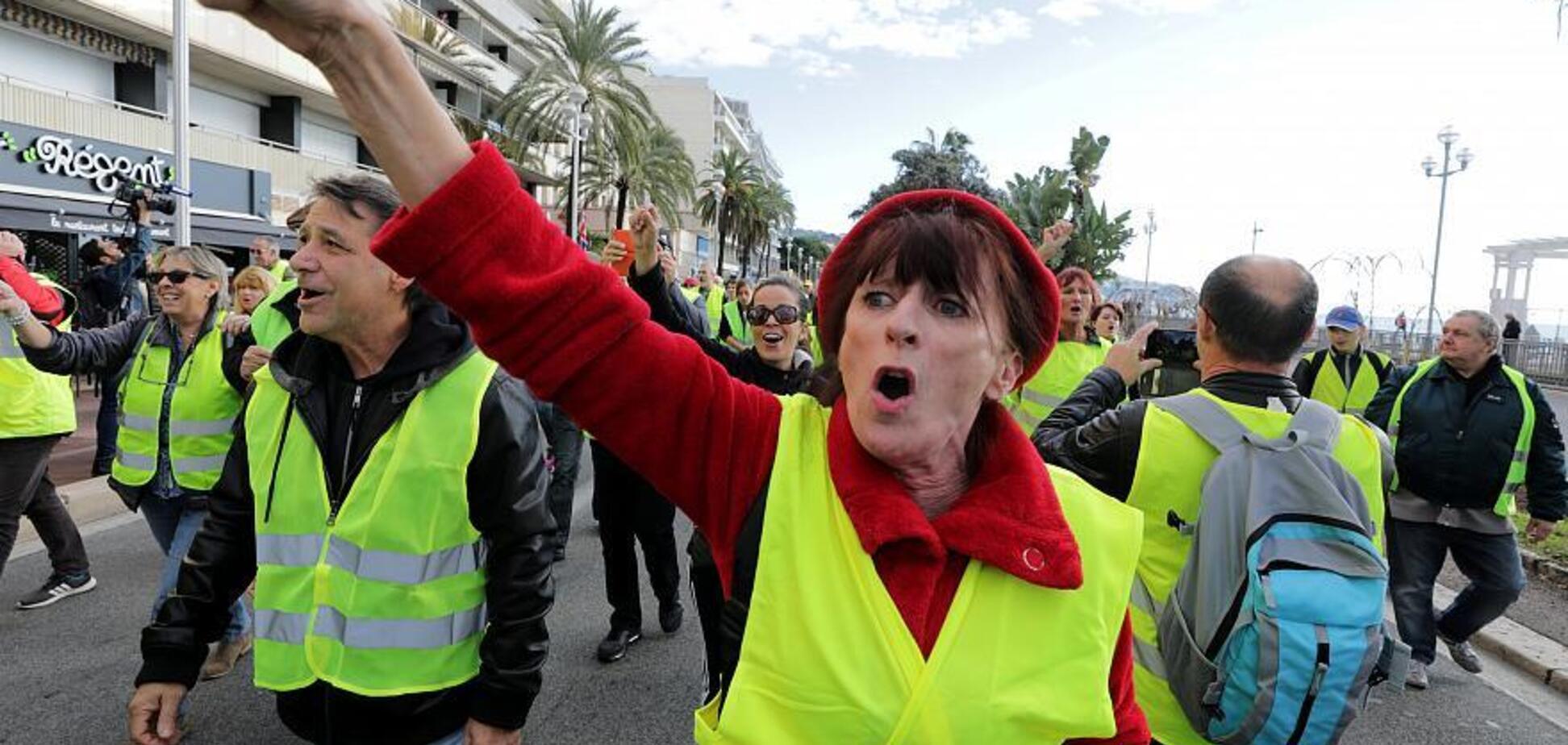 Протесты во Франции: Макрон пригрозил жесткой расправой