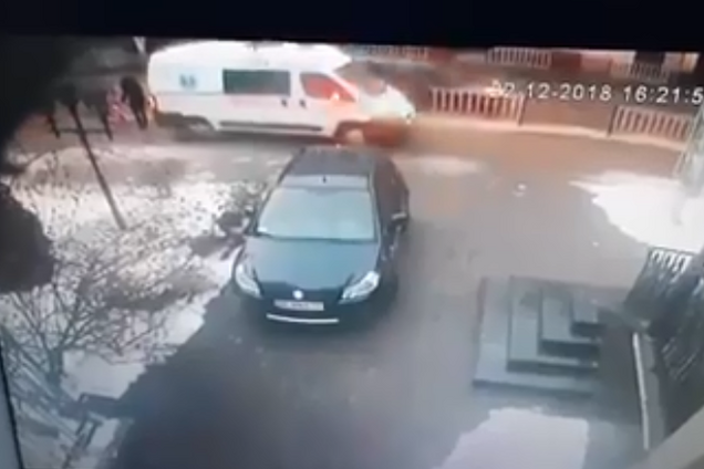 Скорая помощь сбила мать с ребенком во Львове