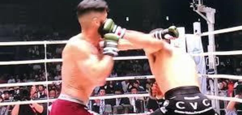 Японский боец MMA эффектно вырубил соперника за 9 секунд