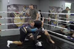 Футболіст збірної Росії побився із бійцем UFC: опубліковане відео