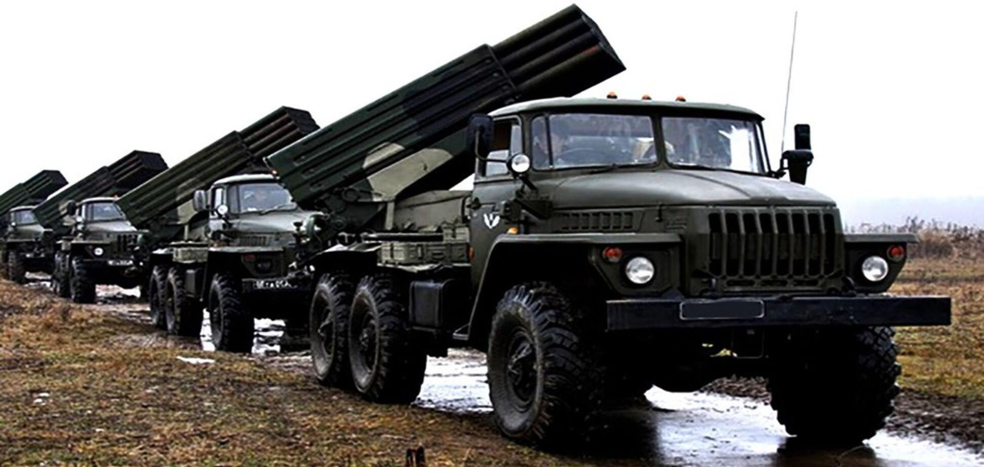 Терористи стягнули десятки ''Градів'' до Луганська: що відбувається