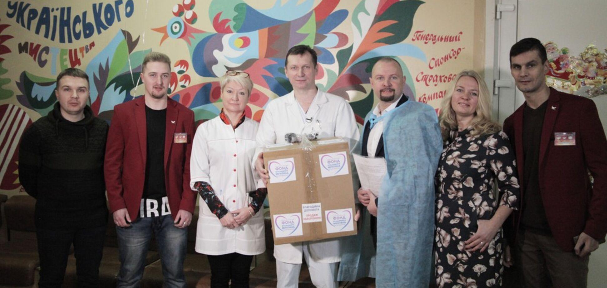 Фонд 'Відродження' купив дорогий апарат Київському онкоцентру