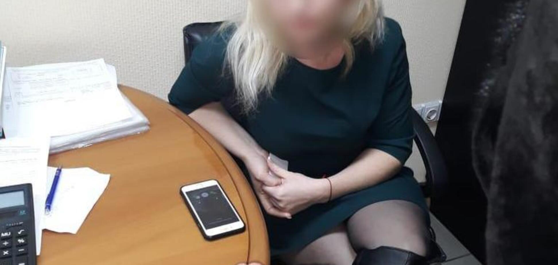 Требовала миллион: руководитель киевского банка попалась на крупной взятке