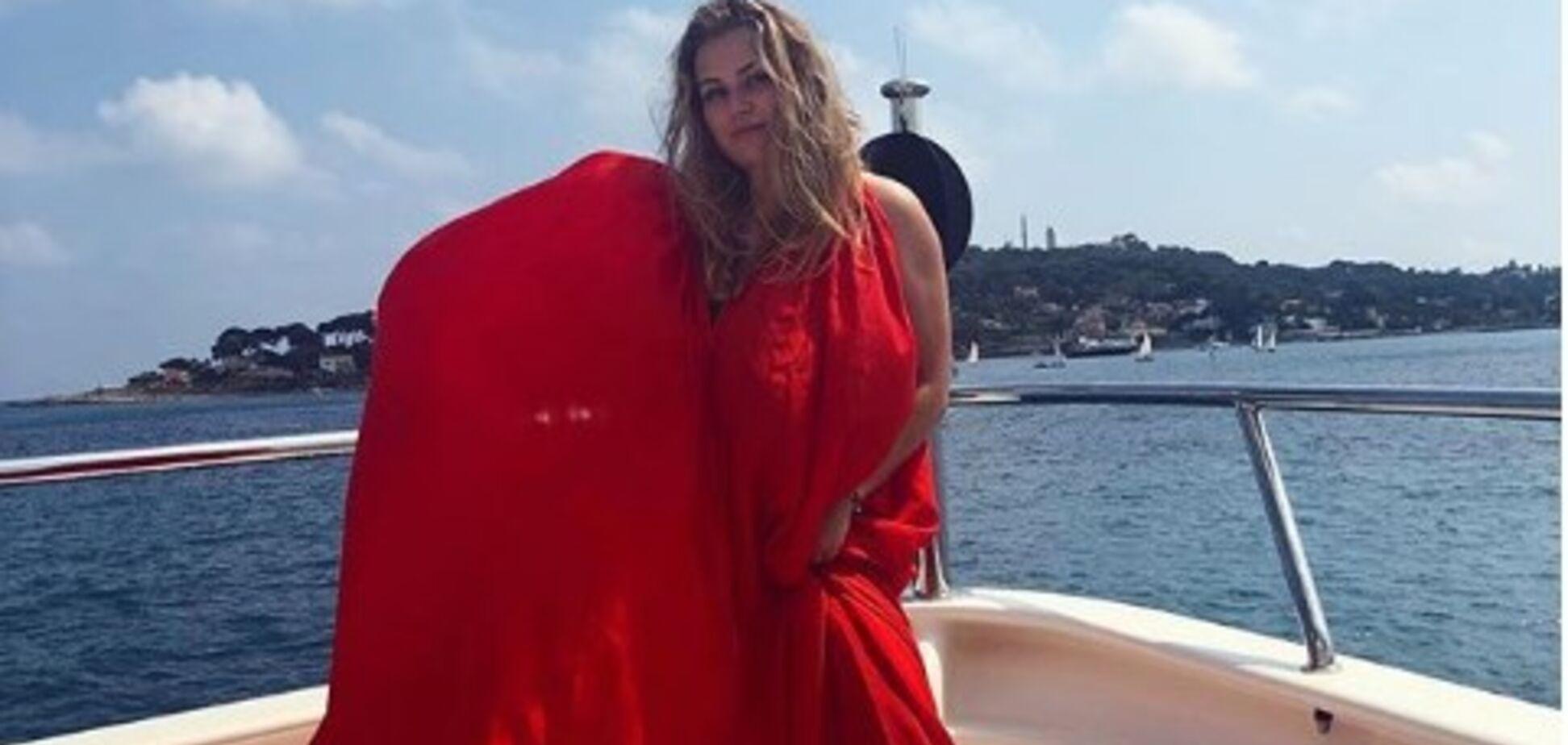 ''Роскошная женщина'': дочь Абрамовича показала пышные формы