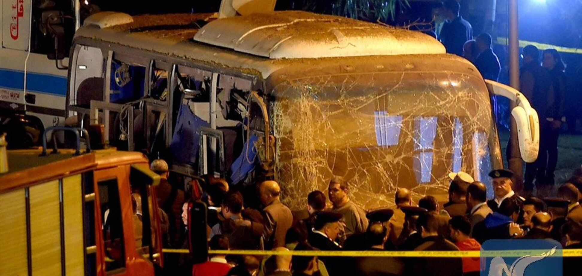 Возле пирамид Египта взорван автобус с туристами: 4 жертвы, 11 раненых
