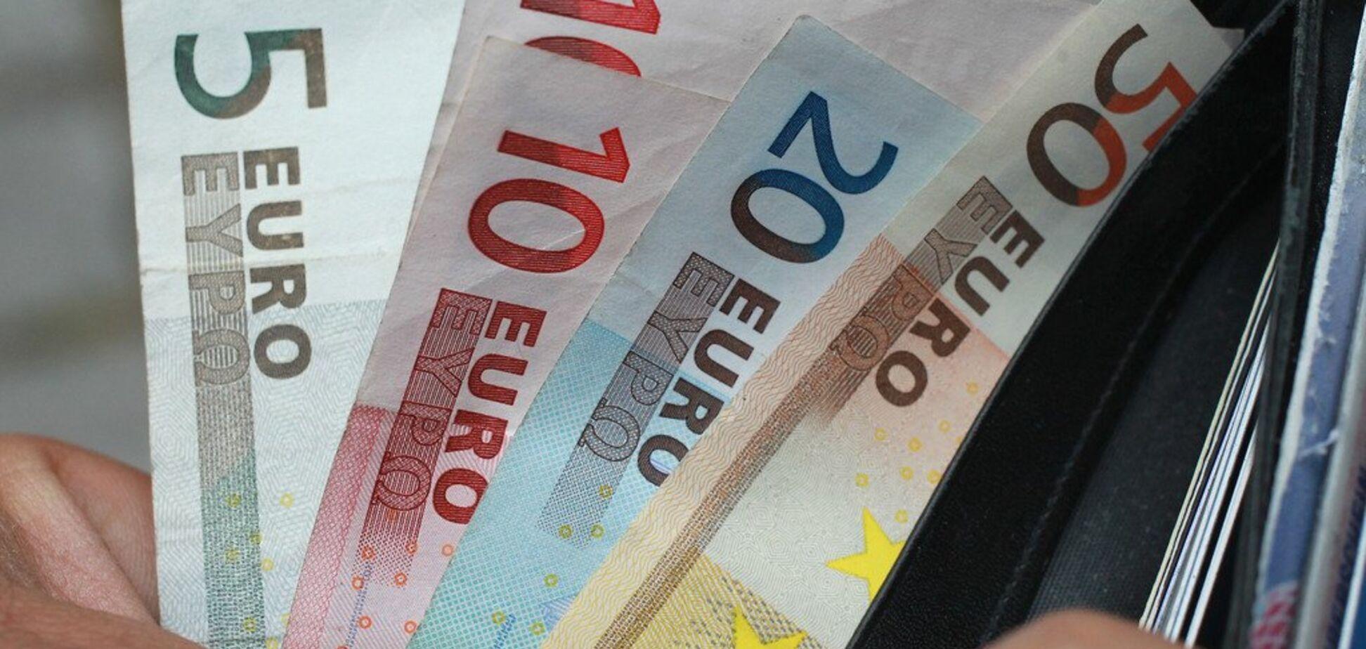 'Настав час': в ЄС розробили план відмови від долара на користь євро