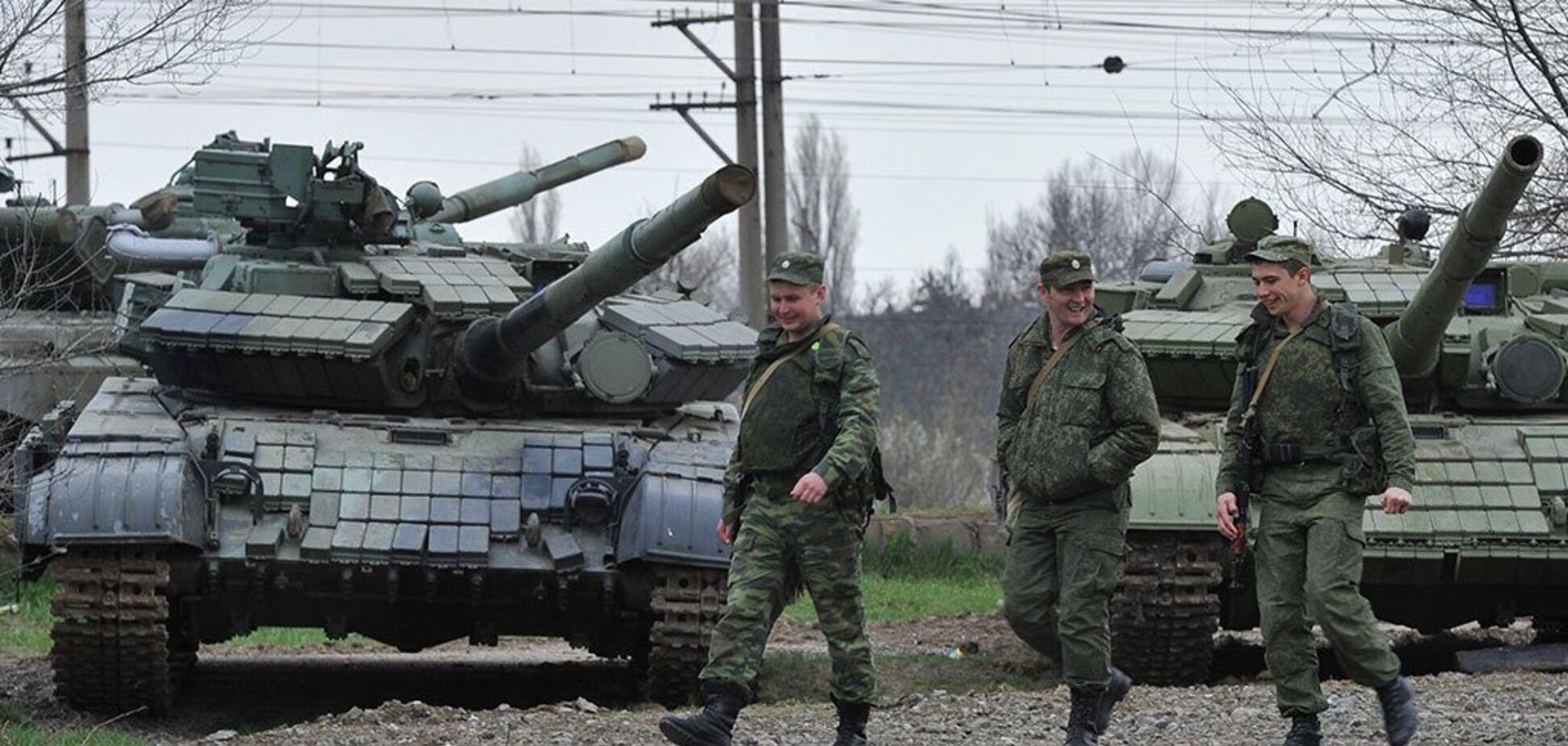 Россия стягивает много техники в Крым: что происходит