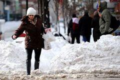 Оттепель в Украине: врач дала советы, как пережить погодные ''качели''