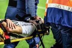 Коленом в голову: жуткая травма футболиста шокировала сеть