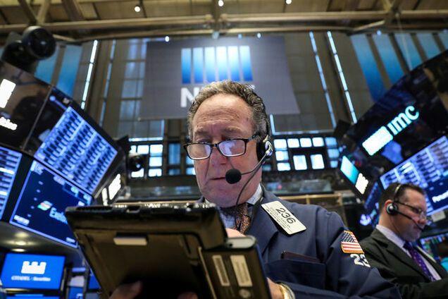 ''Накрыла паника'': в США обвалились фондовые рынки