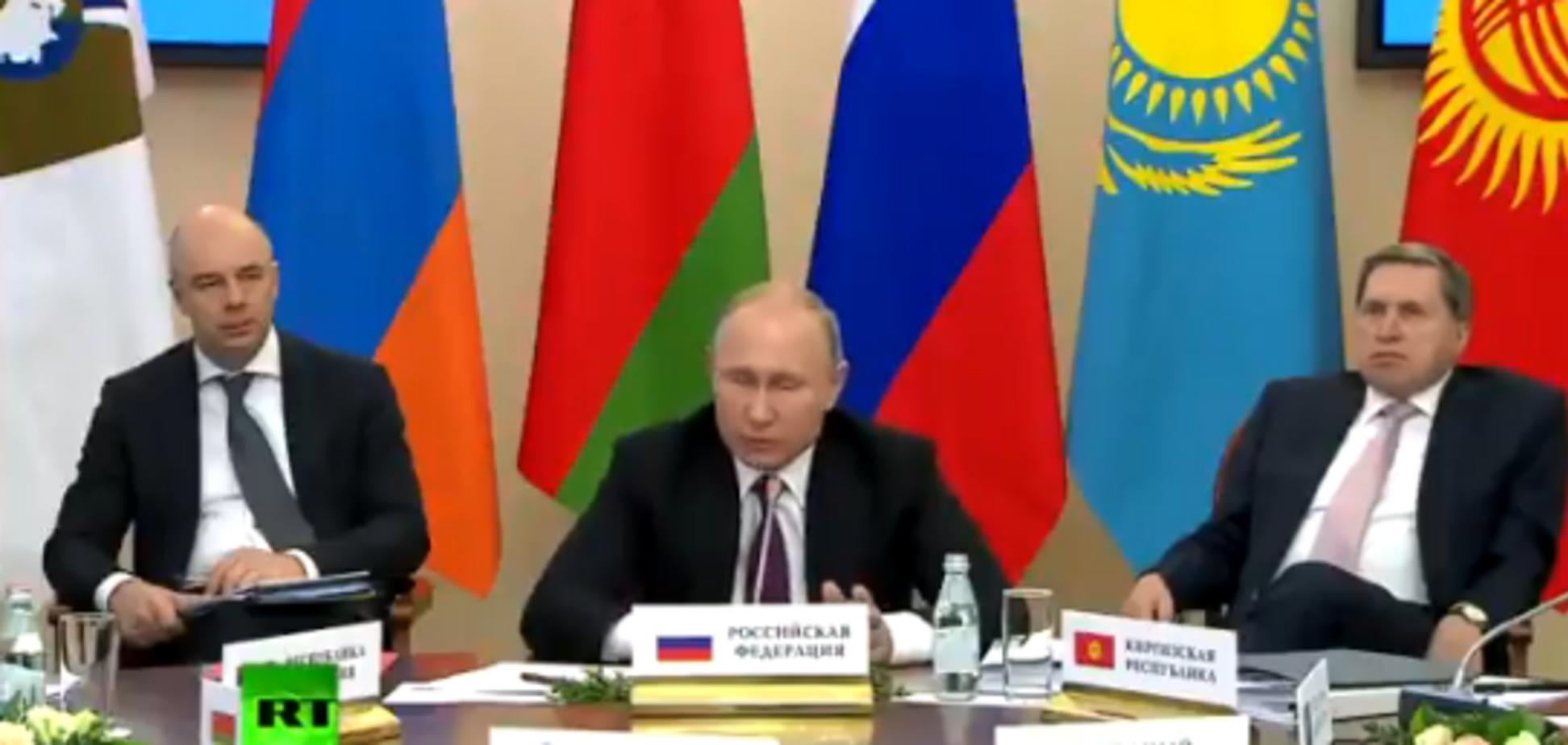 ''Хотим газ по $70'': Лукашенко устроил жаркий спор с Путиным