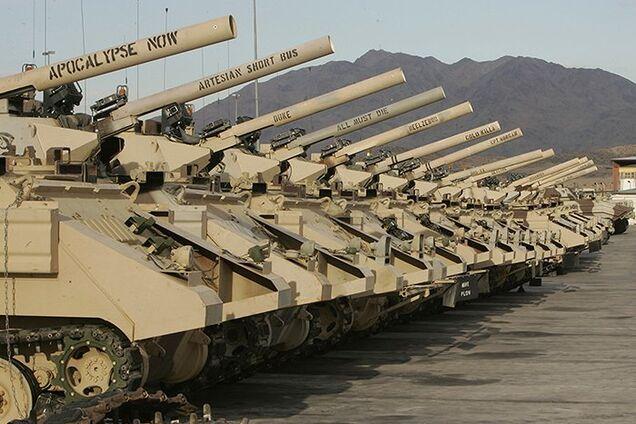 Поставки вооружения в Украину