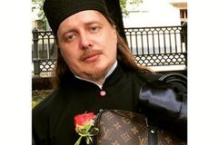 Любитель Gucci и Luis Vuitton: священник из России разозлил сеть