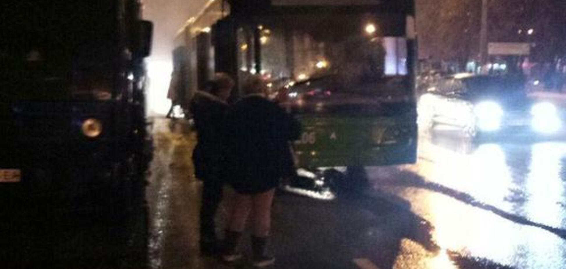 У Харкові на ходу загорівся тролейбус: фото