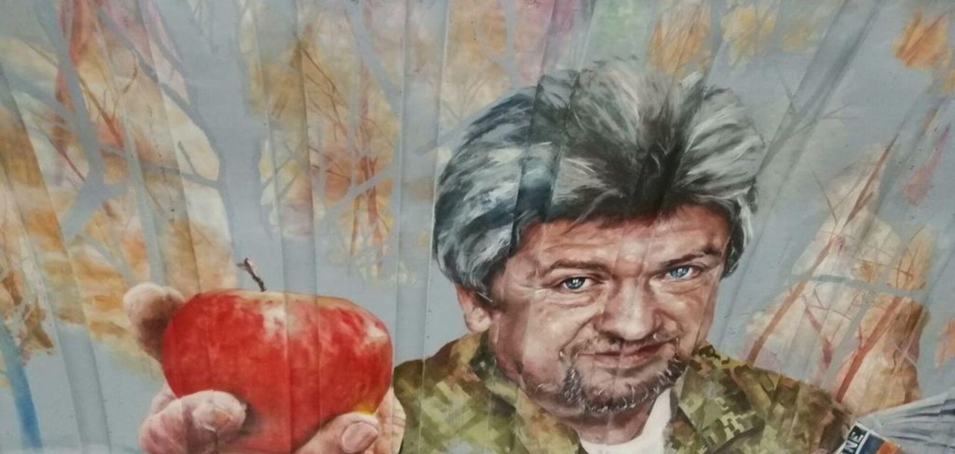 У Києві з'явився новий яскравий мурал: фото