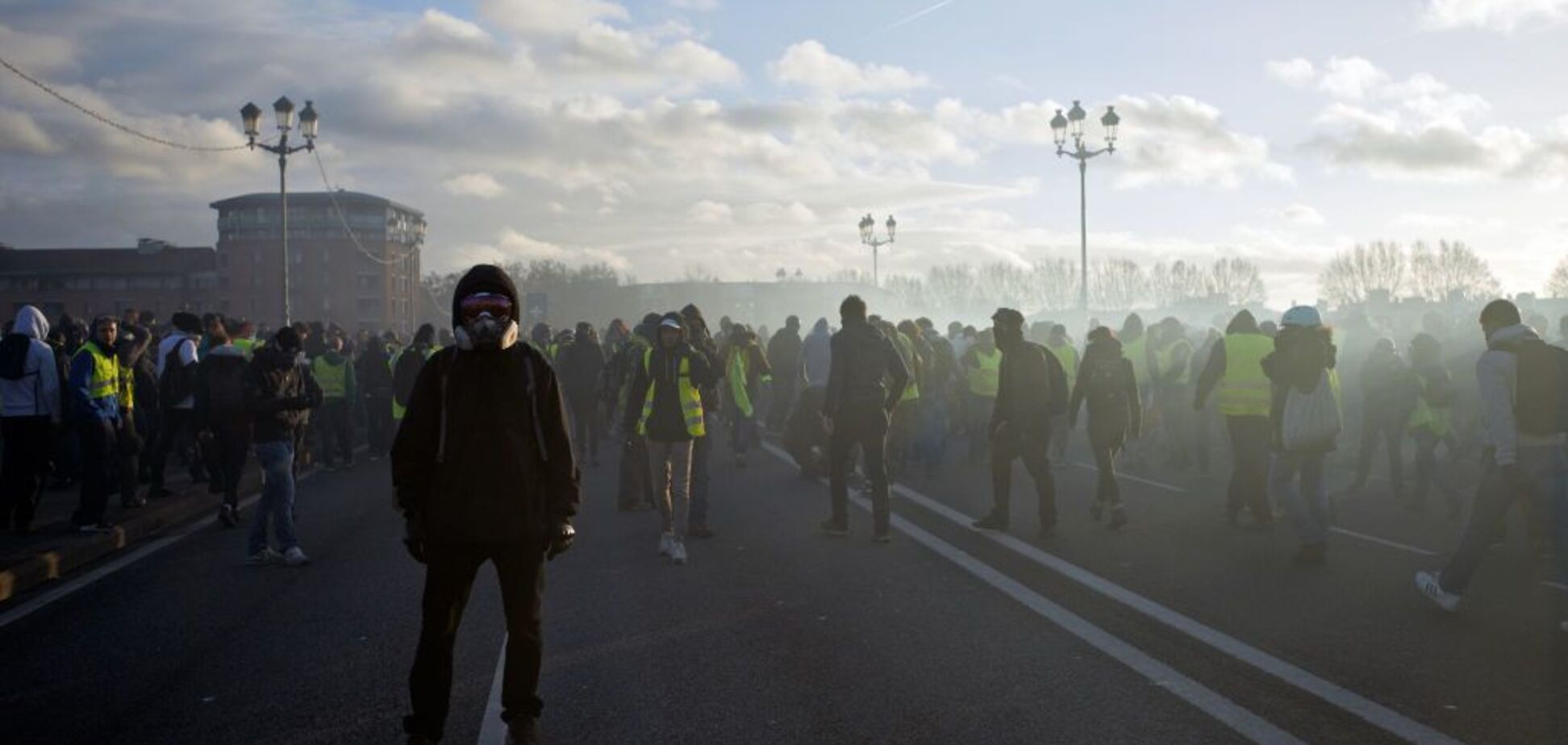 'Слава Сирии! Слава России!': вот вам и протесты во Франции