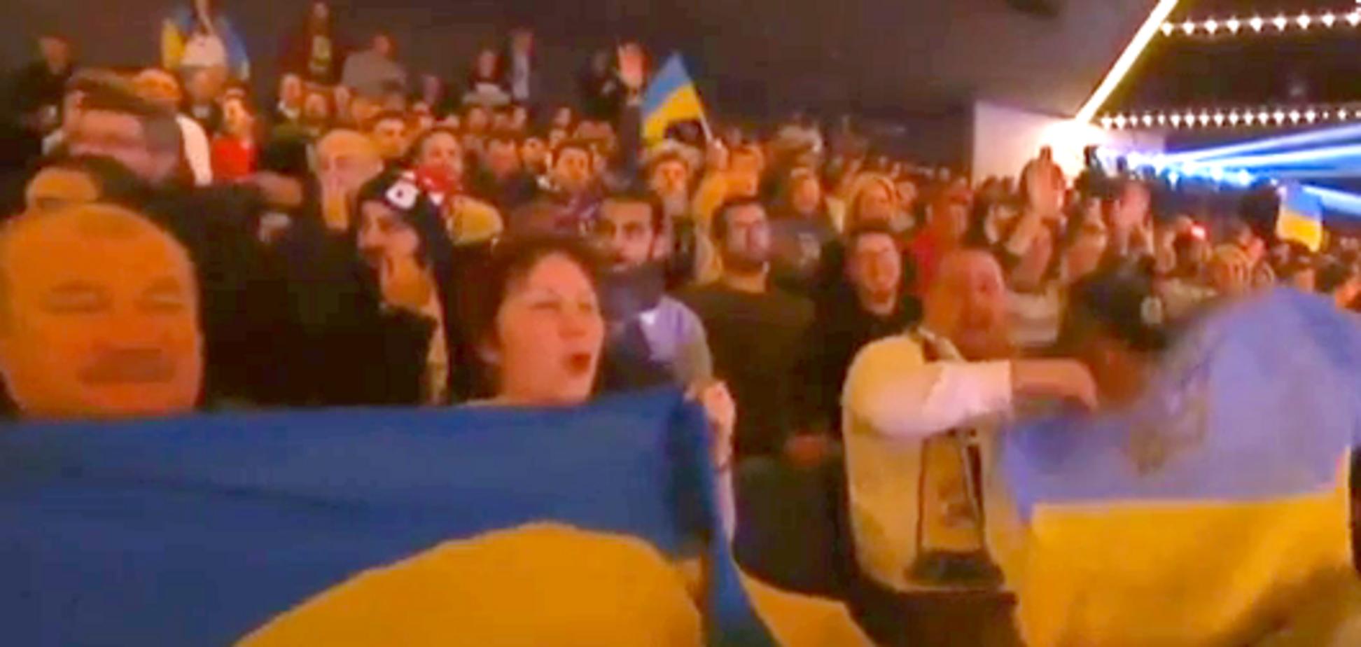 Сине-желтые трибуны: как ''украинский'' Нью-Йорк болел за Ломаченко