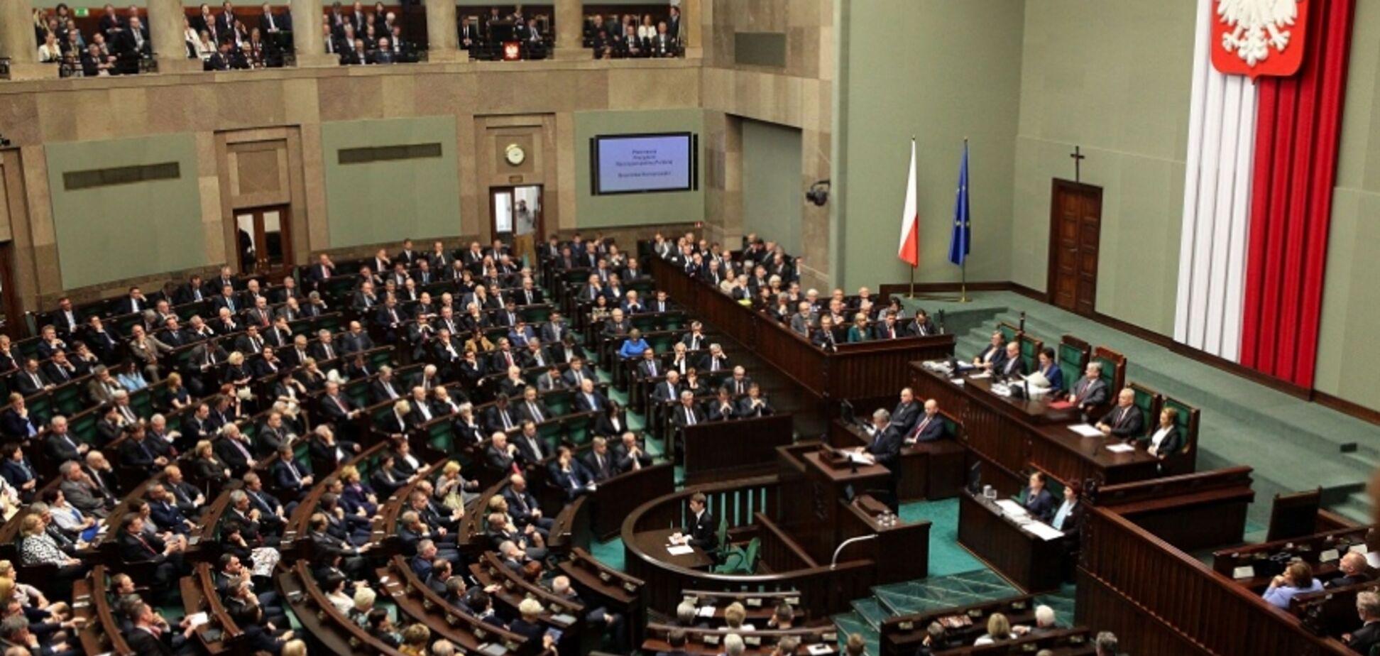 Без поправок: Сенат Польши одобрил скандальный 'антибандеровский' закон