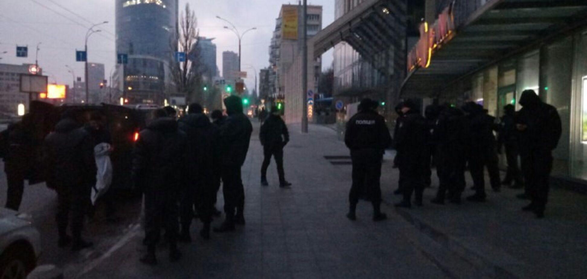 Невідомі розгромили офіс, який Нацагентство забрало у Клименка