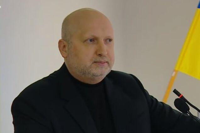 Ожидали 200 тыс. военных: Турчинов объяснил, что помешало Украине отстоять Крым