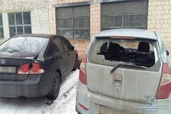 Беспредел возле суда в Киеве: названо имя человека с топором