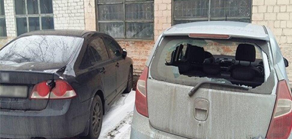 Свавілля біля суду в Києві: названо ім'я людини з сокирою