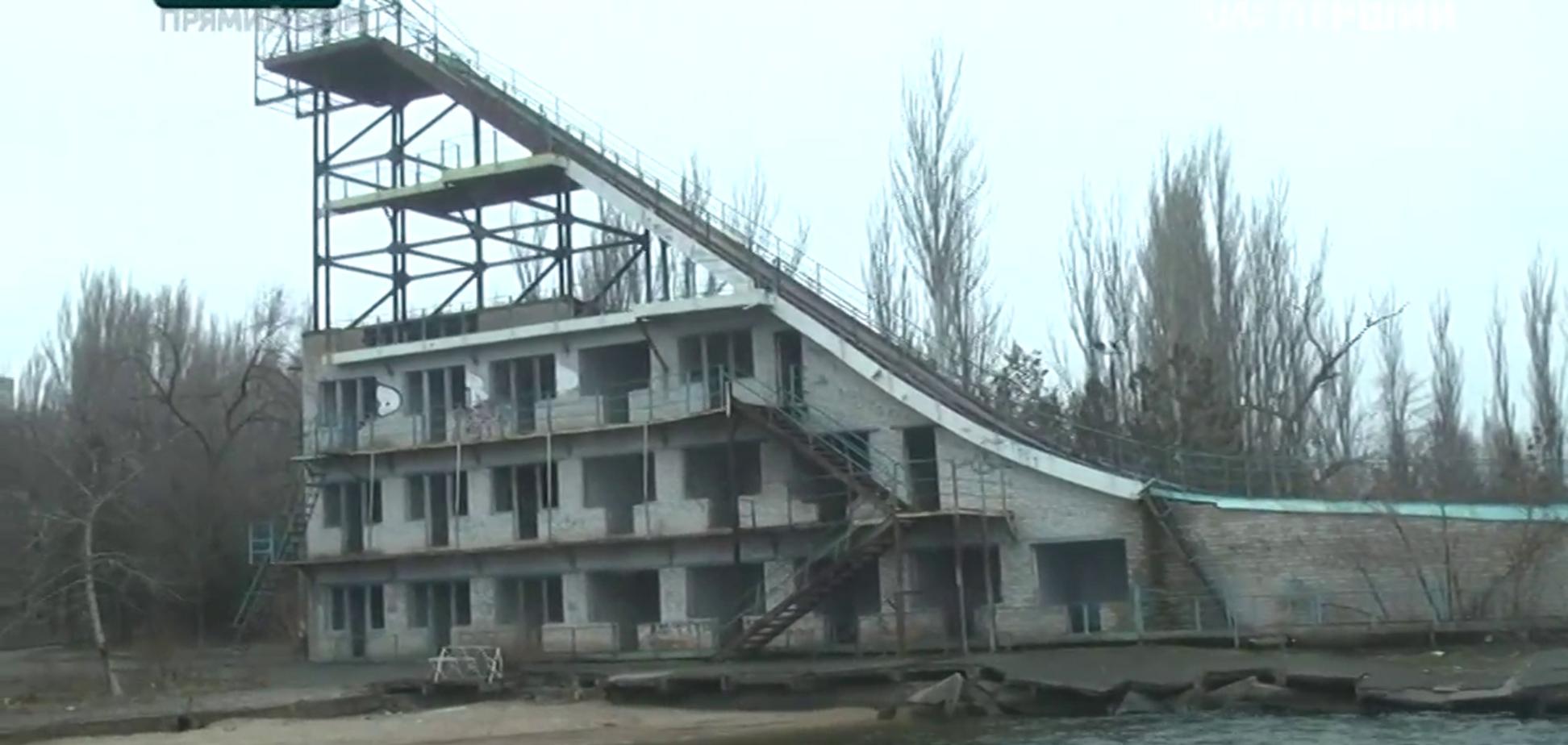 Тренировочная база, где начинал украинский чемпион Олимпиады в Пхенчхане, превращена в руины