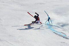 Олимпиада-2018: корейский горнолыжник на бешеной скорости вылетел с трассы, сбив съемочную группу