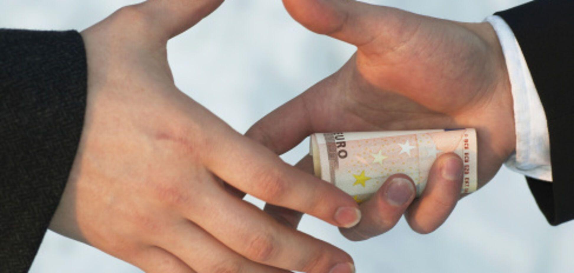 Під Києвом друг скандального голови сільради отримав землі на мільйон
