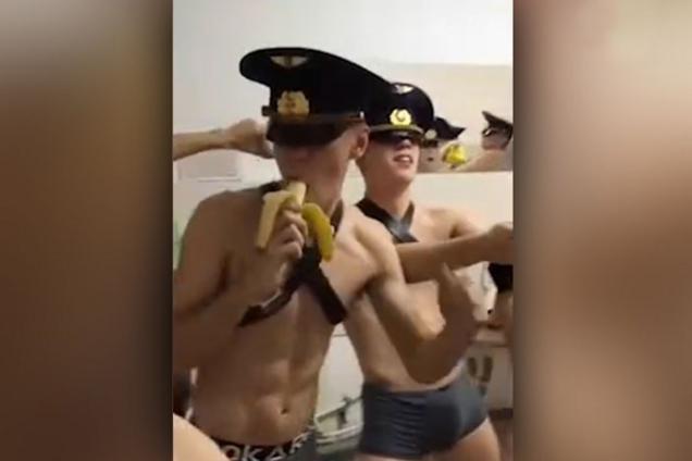 Секс клипы россии, секс негритянка секс