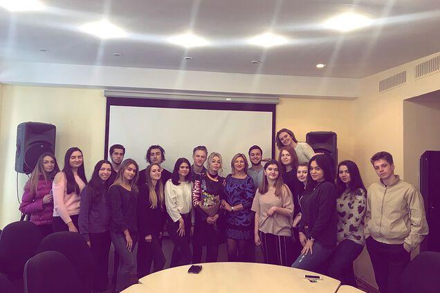 Сбежавшая в Россию украинская певица дала лекцию в Киеве