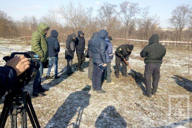В Кривом Роге собака откопала тело мертвого ребенка: фото 18+