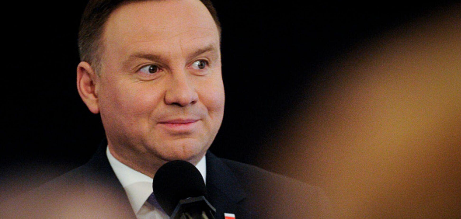 Президент Польши попал в ДТП: опубликовано фото