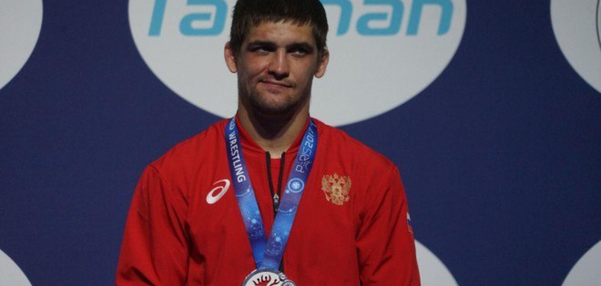 Известного российского борца со скандалом лишили медали чемпионата мира
