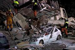 Землетрус у Тайвані: авто ледве не розчавили брили