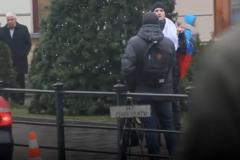 'Мы же братские народы': появилось видео реакции жителей Львова на флаг России