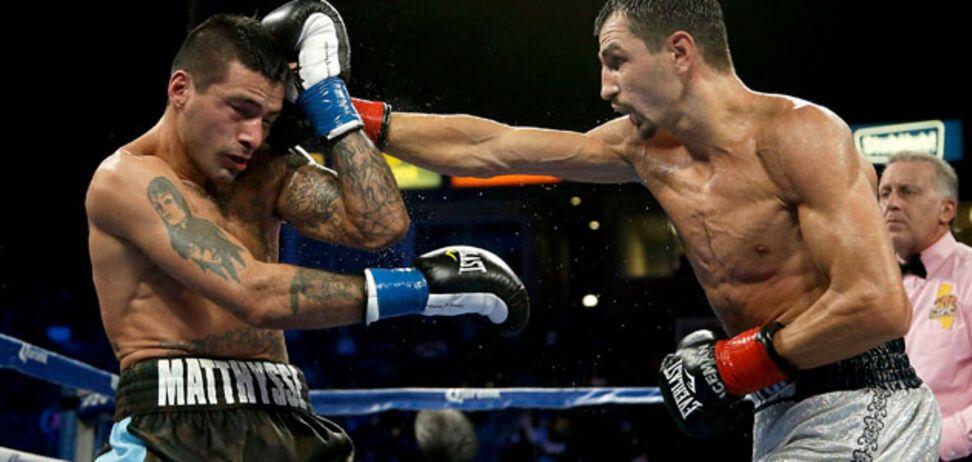 Официально: знаменитый украинский боксер будет драться с непобедимым американцем за титул чемпиона мира
