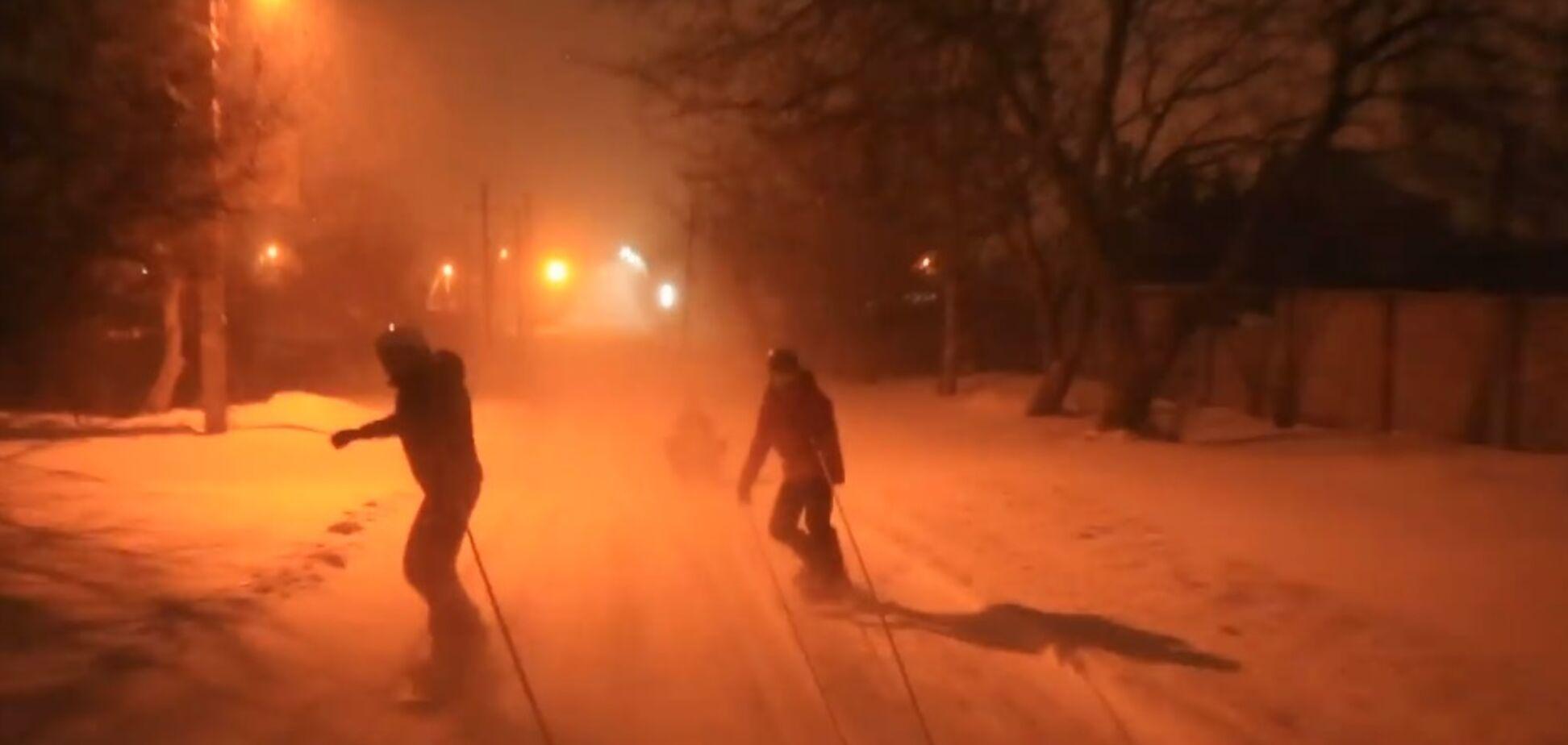 Сноуборісти влаштували екстремальні 'покатушки' Одесою