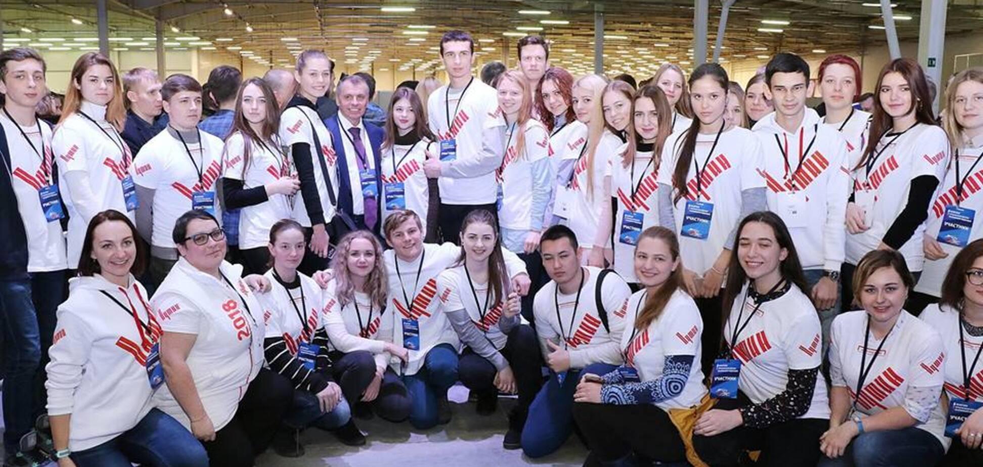Настроения крымской молодежи не такие уж однозначные