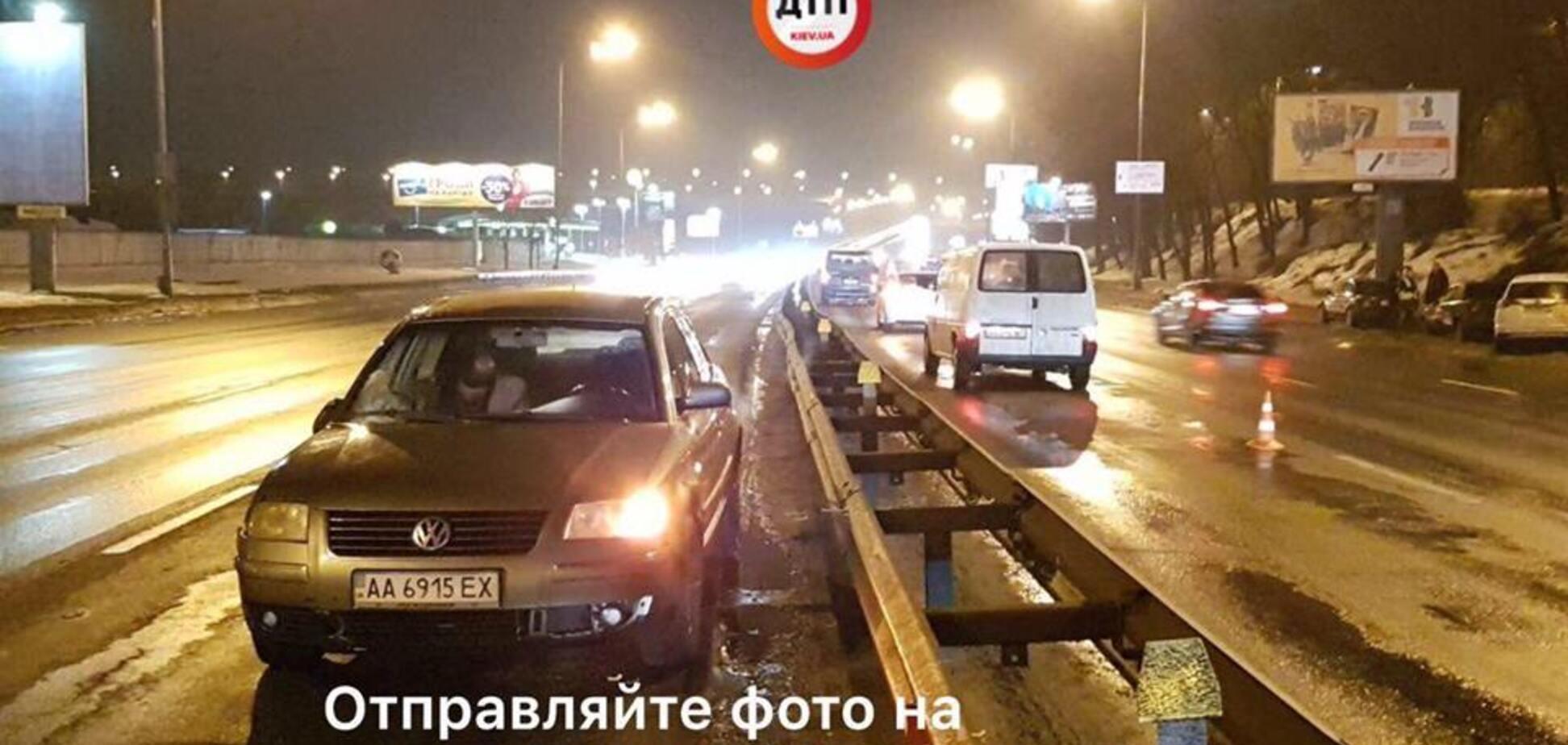 В Киеве боец Нацгвардии попал под авто, спеша на помощь сбитому пешеходу