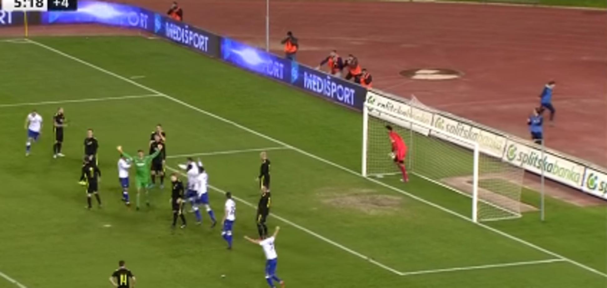 Хорватский вратарь забил эффектный мяч в падении на последней секунде матча: видео победного гола