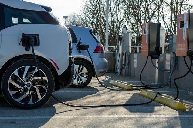 Зарядка электромобилей в Украине: что следует знать водителям