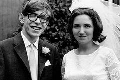 Нелегкие браки Стивена Хокинга: что о них известно