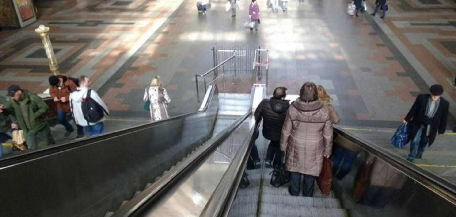 В Киеве на вокзале заменят эскалаторы