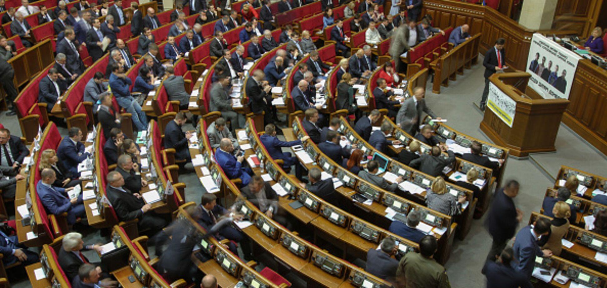 У Порошенко заявили об угрозе международного позора Украины с 1 апреля