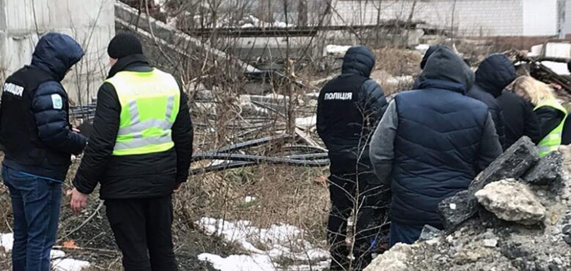В Киеве девушка прыгнула с недостроя