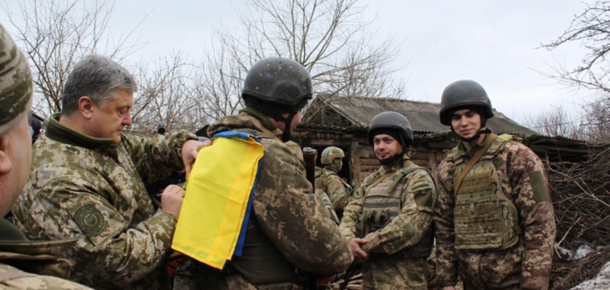 'Х*ни не говорил': АТОшник раскрыл изнанку визита Порошенко на передовую в АТО